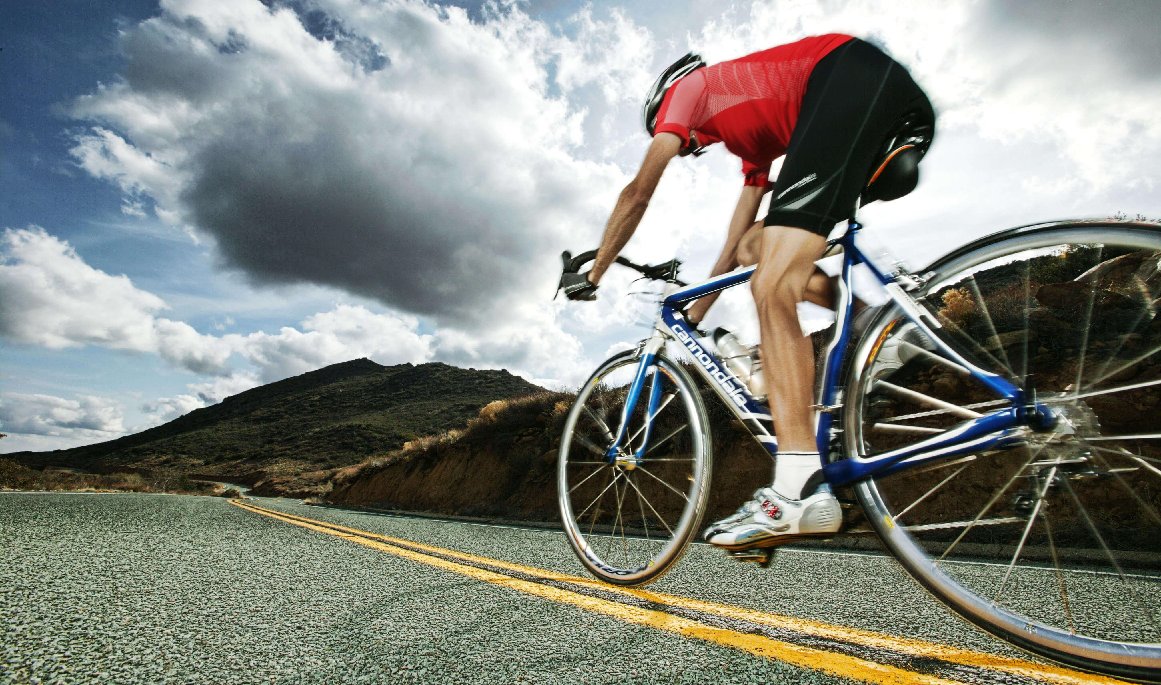 спорт велосипед споротсмен мужчина  № 1633587  скачать